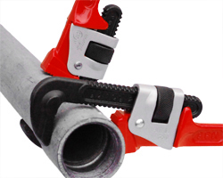 ARM Pipe wrench